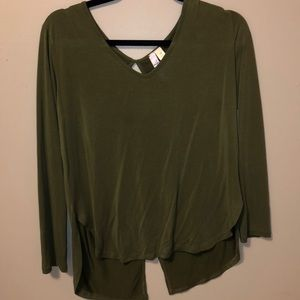 medium francesca's long sleeve top